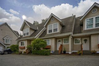 "Photo 1: 2 19948 WILLOUGHBY Way in Langley: Willoughby Heights Townhouse for sale in ""Cranbrook Court"" : MLS®# R2498634"