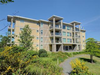 Main Photo: 106 3234 Holgate Lane in : Co Lagoon Condo Apartment for sale (Colwood)  : MLS®# 856423