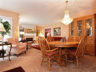 Photo 4: 205 1221 Johnston Road in Presidents Court: Home for sale : MLS®# F2907880