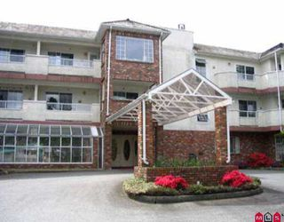 Photo 1: 216 2239 152ND ST in White Rock: Sunnyside Park Surrey Condo for sale (South Surrey White Rock)  : MLS®# F2510686