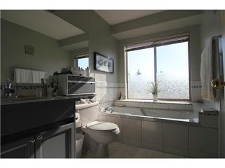 "Photo 15: 307 1955 SUFFOLK Avenue in Port Coquitlam: Glenwood PQ Condo for sale in ""Oxford Place"" : MLS®# V1032210"