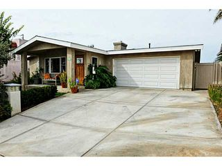 Photo 2: BAY PARK House for sale : 4 bedrooms : 1352 Dorcas Street in San Diego
