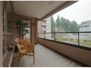 "Photo 7: 306 15111 RUSSELL Avenue: White Rock Condo for sale in ""Pacific Terrace"" (South Surrey White Rock)  : MLS®# F1400438"