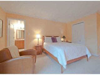 "Photo 9: 306 15111 RUSSELL Avenue: White Rock Condo for sale in ""Pacific Terrace"" (South Surrey White Rock)  : MLS®# F1400438"