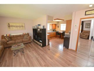 Photo 2: Melbourne Avenue in Winnipeg: Residential for sale : MLS®# 1511151