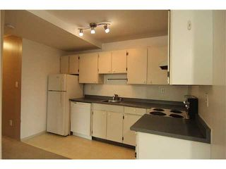 "Photo 8: 105 1209 HOWIE Avenue in Coquitlam: Central Coquitlam Condo for sale in ""CREEKSIDE MANOR"" : MLS®# V1136026"