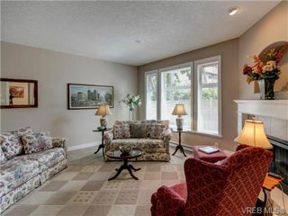 Photo 2: 4 10121 Fifth Street in SIDNEY: Si Sidney North-East Townhouse for sale (Sidney)  : MLS®# 357279
