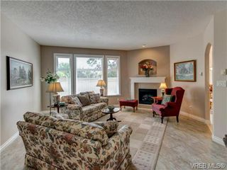 Photo 5: 4 10121 Fifth Street in SIDNEY: Si Sidney North-East Townhouse for sale (Sidney)  : MLS®# 357279