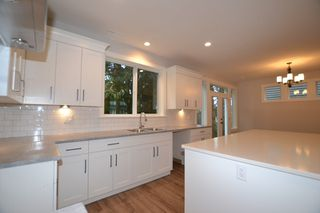 """Photo 8: 2 33973 HAZELWOOD Avenue in Abbotsford: Central Abbotsford House for sale in """"Heron Pointe"""" : MLS®# R2102276"""