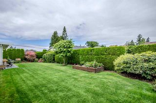 Photo 2: 16415 11A Avenue in Surrey: King George Corridor House for sale (South Surrey White Rock)  : MLS®# R2105104