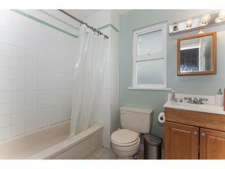 Photo 11: 15373 VICTORIA Avenue: White Rock House for sale (South Surrey White Rock)  : MLS®# R2114967