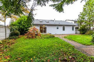 """Photo 12: 9218 158 Street in Surrey: Fleetwood Tynehead House for sale in """"Fleetwood Tynehead"""" : MLS®# R2120306"""