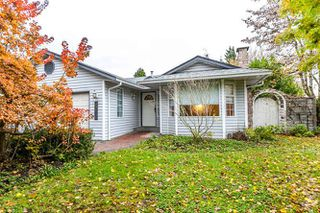 """Photo 4: 9218 158 Street in Surrey: Fleetwood Tynehead House for sale in """"Fleetwood Tynehead"""" : MLS®# R2120306"""