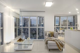 "Photo 3: 1907 1188 HOWE Street in Vancouver: Downtown VW Condo for sale in ""1188 Howe"" (Vancouver West)  : MLS®# R2125945"