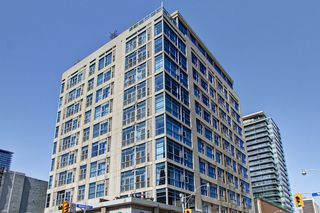 Photo 1: 306 8 Wellesley Street in Toronto: Church-Yonge Corridor Condo for sale (Toronto C08)  : MLS®# C3748305