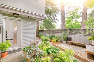 "Photo 2: 2807 ALDER Street in Vancouver: Fairview VW Townhouse for sale in ""Fairview"" (Vancouver West)  : MLS®# R2179808"