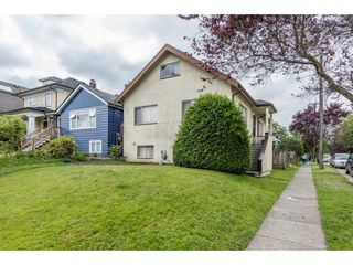 "Photo 2: 3330 MANITOBA Street in Vancouver: Cambie House for sale in ""CAMBIE VILLAGE"" (Vancouver West)  : MLS®# R2183325"