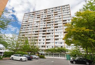"Photo 1: 1011 6631 MINORU Boulevard in Richmond: Brighouse Condo for sale in ""REGENCY PARK TOWERS"" : MLS®# R2187681"