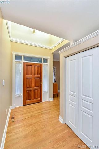 Photo 16: 100 530 Marsett Place in VICTORIA: SW Royal Oak Townhouse for sale (Saanich West)  : MLS®# 381218