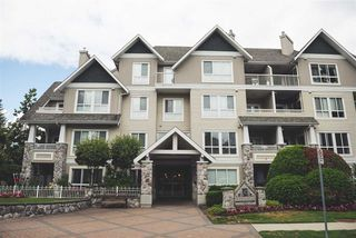 Photo 1: 201 19091 MCMYN Road in Pitt Meadows: Mid Meadows Condo for sale : MLS®# R2224831