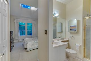 """Photo 16: 309 3760 W 6TH Avenue in Vancouver: Point Grey Condo for sale in """"MAYFAIR HOUSE"""" (Vancouver West)  : MLS®# R2243615"""