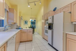 """Photo 7: 309 3760 W 6TH Avenue in Vancouver: Point Grey Condo for sale in """"MAYFAIR HOUSE"""" (Vancouver West)  : MLS®# R2243615"""