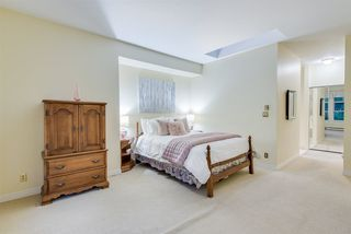"""Photo 12: 309 3760 W 6TH Avenue in Vancouver: Point Grey Condo for sale in """"MAYFAIR HOUSE"""" (Vancouver West)  : MLS®# R2243615"""