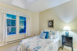 """Photo 15: 309 3760 W 6TH Avenue in Vancouver: Point Grey Condo for sale in """"MAYFAIR HOUSE"""" (Vancouver West)  : MLS®# R2243615"""