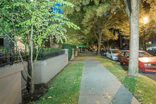 """Photo 20: 309 3760 W 6TH Avenue in Vancouver: Point Grey Condo for sale in """"MAYFAIR HOUSE"""" (Vancouver West)  : MLS®# R2243615"""