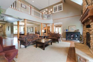 Photo 5: 10380 MCKINNON Crescent in Langley: Fort Langley House for sale : MLS®# R2271402