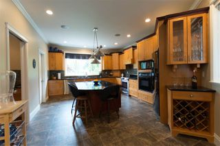 Photo 7: 10380 MCKINNON Crescent in Langley: Fort Langley House for sale : MLS®# R2271402