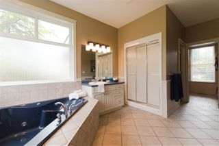 Photo 11: 10380 MCKINNON Crescent in Langley: Fort Langley House for sale : MLS®# R2271402