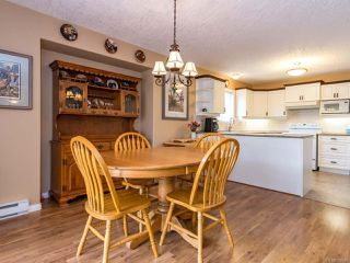 Photo 4: 1307 Ridgemount Dr in COMOX: CV Comox (Town of) House for sale (Comox Valley)  : MLS®# 788695