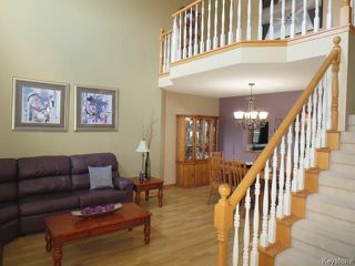 Photo 3: 10 Vineland Crescent in Winnipeg: Whyte Ridge Residential for sale (1P)  : MLS®# 1817133