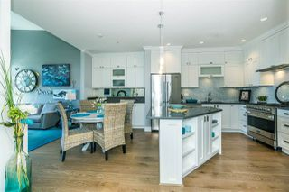 """Photo 8: 512 14855 THRIFT Avenue: White Rock Condo for sale in """"THE ROYCE"""" (South Surrey White Rock)  : MLS®# R2289976"""