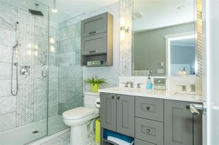 """Photo 14: 512 14855 THRIFT Avenue: White Rock Condo for sale in """"THE ROYCE"""" (South Surrey White Rock)  : MLS®# R2289976"""