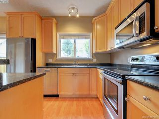 Photo 9: 102 2600 Peatt Rd in VICTORIA: La Langford Proper Row/Townhouse for sale (Langford)  : MLS®# 794862