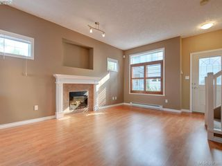 Photo 3: 102 2600 Peatt Rd in VICTORIA: La Langford Proper Row/Townhouse for sale (Langford)  : MLS®# 794862