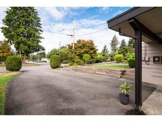 Photo 2: 3470 ETON Crescent in Abbotsford: Abbotsford East House for sale : MLS®# R2306544