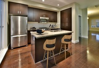 """Photo 2: 263 2501 161A Street in Surrey: Grandview Surrey Townhouse for sale in """"Highland Park"""" (South Surrey White Rock)  : MLS®# R2326295"""