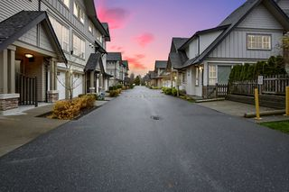 """Photo 28: 263 2501 161A Street in Surrey: Grandview Surrey Townhouse for sale in """"Highland Park"""" (South Surrey White Rock)  : MLS®# R2326295"""