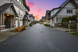 """Photo 23: 263 2501 161A Street in Surrey: Grandview Surrey Townhouse for sale in """"Highland Park"""" (South Surrey White Rock)  : MLS®# R2326295"""