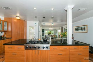 Photo 4: BAY PARK House for sale : 5 bedrooms : 2034 Frankfort St in San Diego