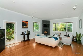 Photo 6: BAY PARK House for sale : 5 bedrooms : 2034 Frankfort St in San Diego