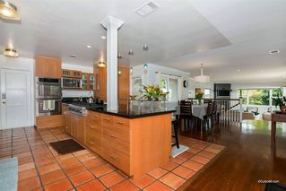 Photo 2: BAY PARK House for sale : 5 bedrooms : 2034 Frankfort St in San Diego