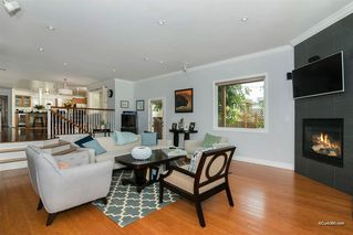 Photo 9: BAY PARK House for sale : 5 bedrooms : 2034 Frankfort St in San Diego