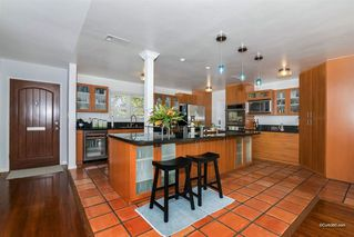 Photo 3: BAY PARK House for sale : 5 bedrooms : 2034 Frankfort St in San Diego