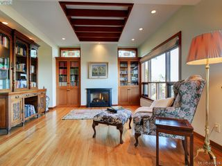 Photo 5: 2919 Mt. Baker View Road in VICTORIA: SE Ten Mile Point Single Family Detached for sale (Saanich East)  : MLS®# 406324