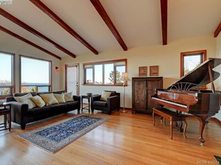 Photo 17: 2919 Mt. Baker View Road in VICTORIA: SE Ten Mile Point Single Family Detached for sale (Saanich East)  : MLS®# 406324