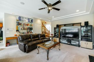 Photo 4: 11382 WALLACE Drive in Surrey: Bolivar Heights House for sale (North Surrey)  : MLS®# R2351619